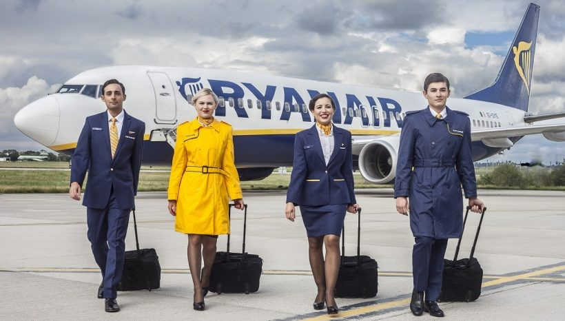 Ryanair Hostess e Steward Cabin Crew