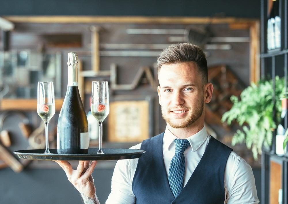 Foto Diventare cameriere professionista, ecco come fare